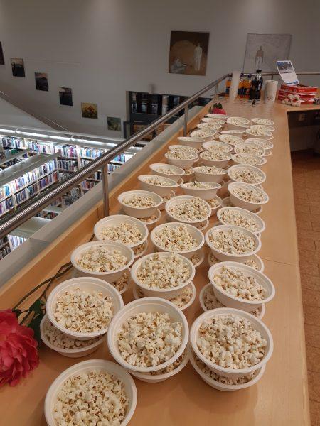 Popcorn-tarjoilu IPK-pelistriimi-illassa