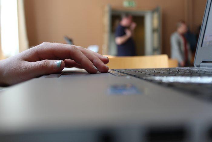 Tietokone,kirjoittaminen, näppäimistö