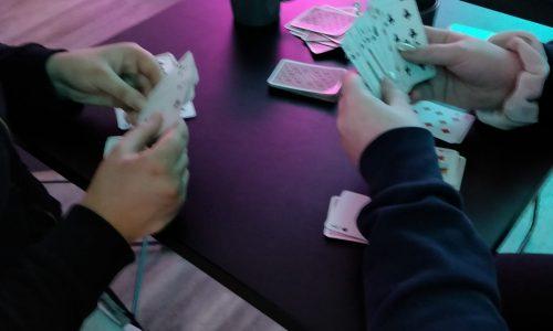 kortinpeluuta nuokkarilla